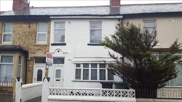 ** ATTENTION ALL INVESTORS.. THIS PROPERTY IS FOR YOU! **Metcalf's Estate Agents are pleased to present an immaculate mid terraced property comprising of 1 X 1 bedroom flat and 1 X 2 bedroom flat located in a fantastic location in central Blackpool close to many local amenities such as shops, school and even Blackpool Football Club. The ground floor flat briefly comprises of a large lounge, bedroom, modern kitchen and a bathroom. The first floor flat briefly comprises of two bedrooms, lounge, kitchen and a bathroom. Both flats are fully self contained and also tenanted and they pay separate council tax. Both flats benefits from full gas central heating and double glazing throughout. Externally the property has on street parking available and a low maintenance rear garden which is accessed from the ground floor flat. INVESTORS THIS IS FOR YOU.. CALL TO BOOK VIEWING TODAY! 01253 624047!!